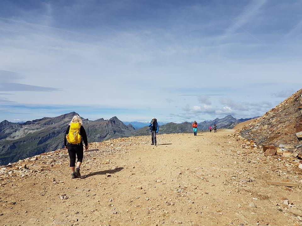 Alagna vandra på toppen